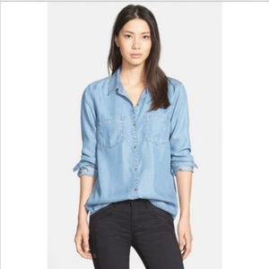Hinge Chambray Button Back Shirt in DENIM (L)